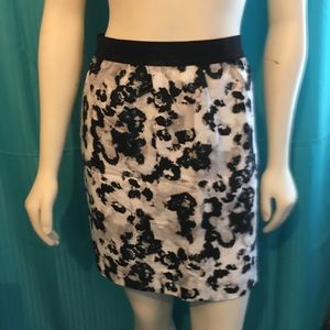 LOFT Patterned Pencil Skirt